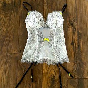 Gorgeous Victoria's Secret Lingerie, 34C